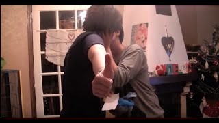 Repeat youtube video Shingeki no Kyojin / Attack on Titan - Levi's surprise gift! (Ereri)