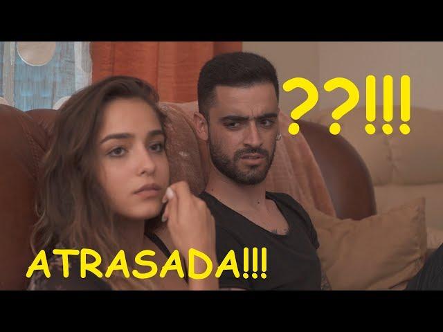 ATRASADA... com Angie Costa