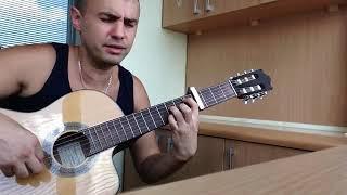 Парень красиво спел под мелодичную музыку гитары красивый закат