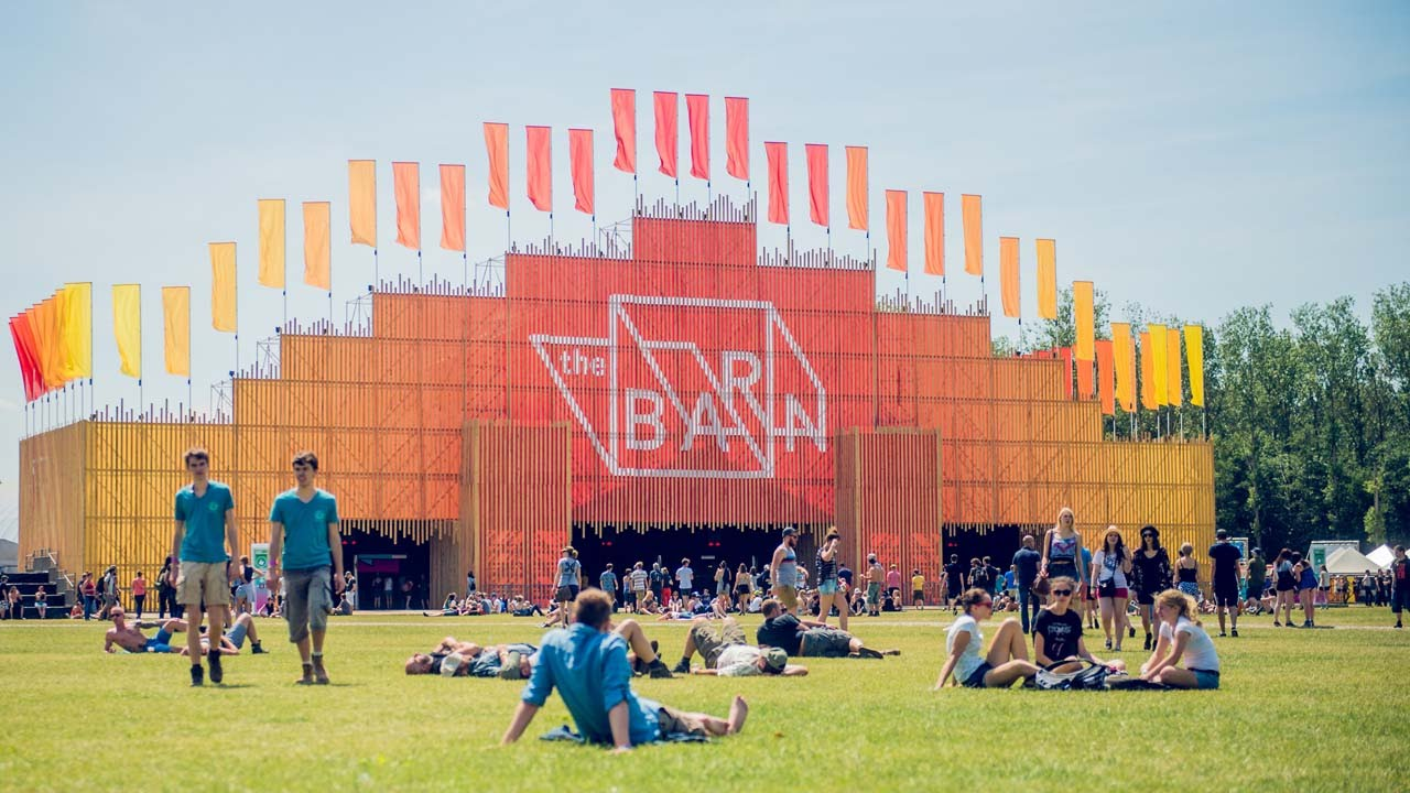 The Barn 2 0 Rock Werchter 2015 Youtube