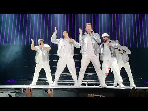 Backstreet Boys - Don't Go Breaking My Heart + Larger Than Life - DNA World Tour Paris 2019