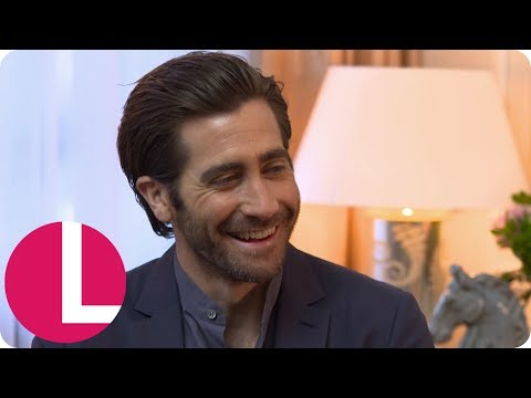 Jake Gyllenhaal Is Still Trying to Get the Hang of Social Media   Lorraine