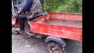 Jokes. Humour. Приколы. The man fell from a motor scooter. Мужик упал с мотороллера в глубокую яму.
