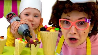 Настя Малышка играют и готовят фруктовое мороженое