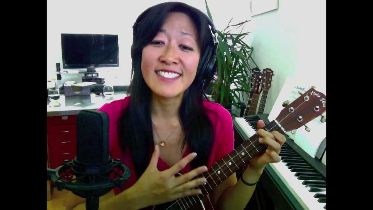Im yours beginner ukulele lesson 2 backbeat strum youtube hexwebz Images
