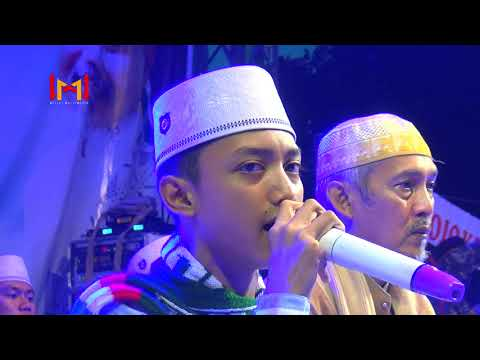 """""""Paling Terbaru"""" Santri Bukan Artis Voc Gus Azmi (Live SMK PGRI 2 Kediri Bersholawat)"""
