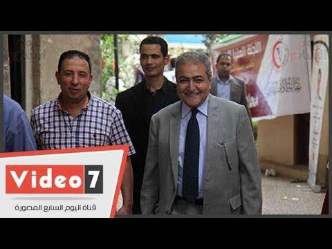 نقيب البيطريين يدلى بصوته فى انتخابات النقابة  - 16:22-2018 / 4 / 13