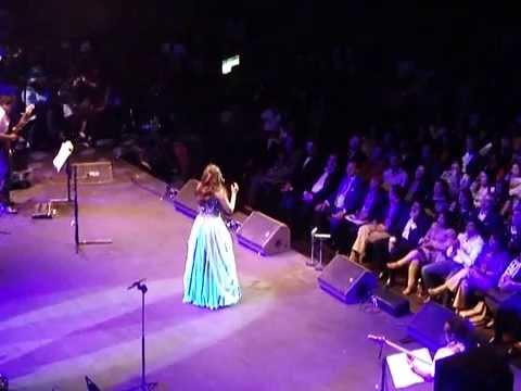 'Kehna Hi Kiya' - Shreya Ghoshal Live in Concert (Royal Albert Hall 2013)