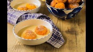 Buñuelos de calabaza y naranja sobre natillas de horchata | sin gluten y sin lácteos