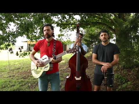 Смотреть клип The Avett Brothers - The Fire