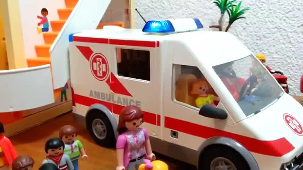 krankenwagen besucht kita playmobil film ambulance visite. Black Bedroom Furniture Sets. Home Design Ideas