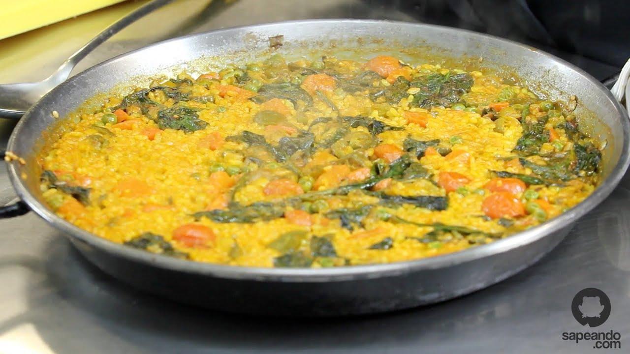 Aprende a hacer una paella de verduras maestros del for Como hacer paella de verduras