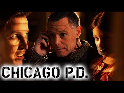 Delusional Psychopath Wants To Start A Scene | Chicago P.D.