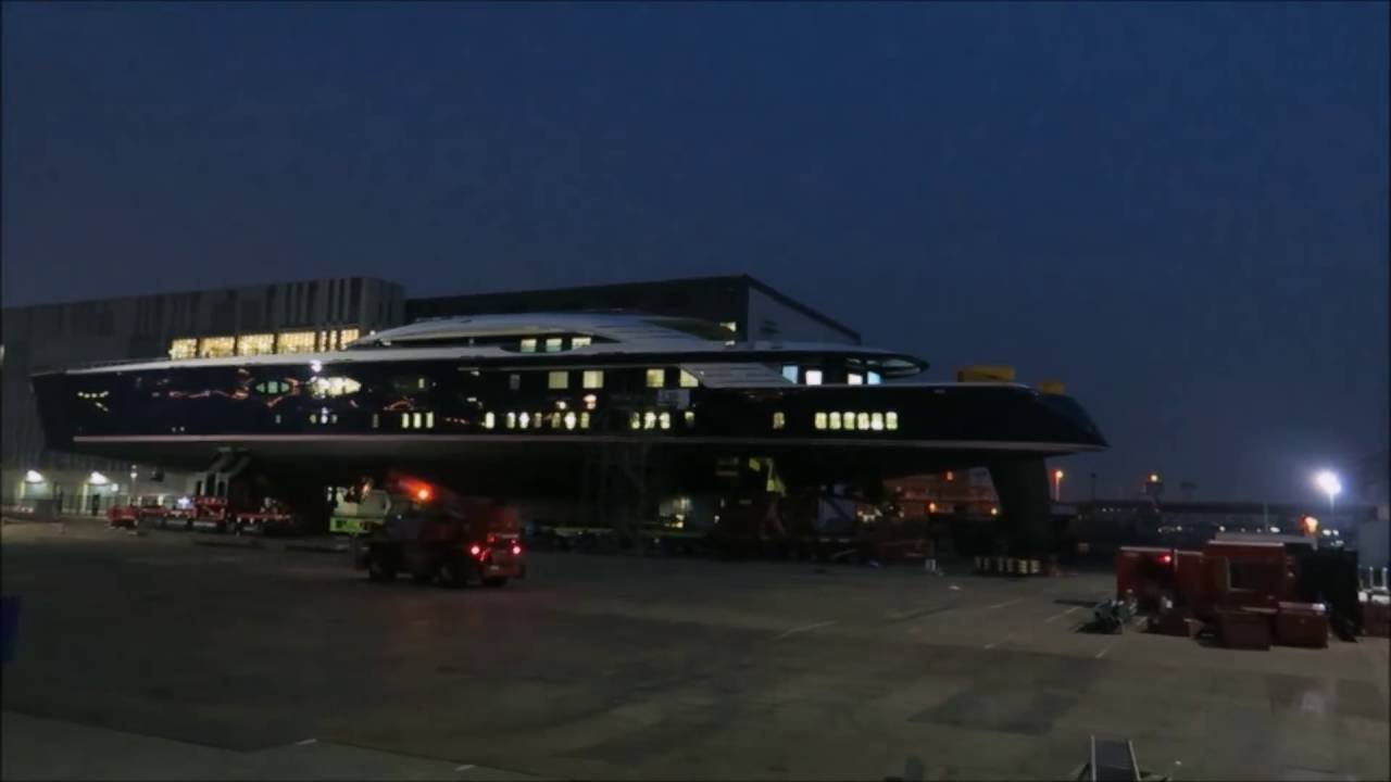 OLEG BURLAKOV]: See his Crazy US$ 200,000,000 BLACK PEARL Yacht