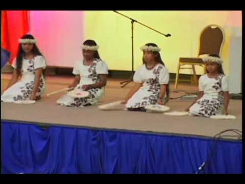 2007 Open House Majuro- Fan Girls. 11/14