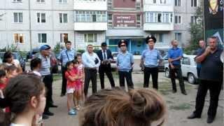 Моя полиция НИ меня, НИ тебя  уже не бережет....(, 2012-08-22T19:16:26.000Z)