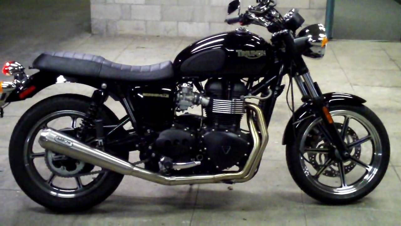 2009 triumph bonneville with arrow 2 into 1 exhaust and 440