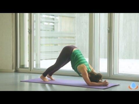 Clase completa de yoga para estirar y fortalecer los hombros y brazos -  Yogahora.com - YouTube 4d3c3b71e82f