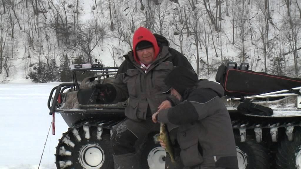 Ron on argo ice fishing youtube for Ice fishing setup