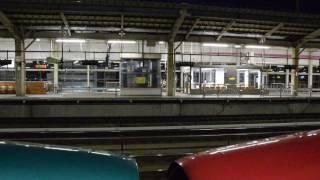 福島駅 上り列車通過