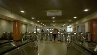 эскалатор станции метро