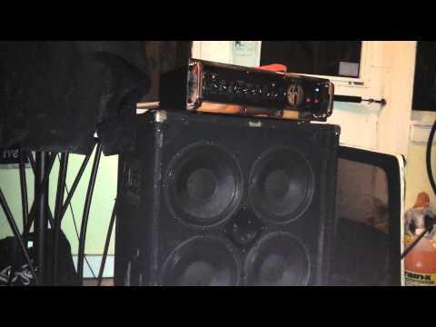Univox High Flyer, SWR Bass 750, Ampeg SVT-410HE