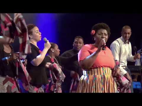 Evelyn Amo - Mega Praise