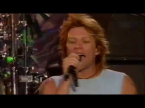Bon Jovi - Born to Be My Baby (live at Times Square 2002)
