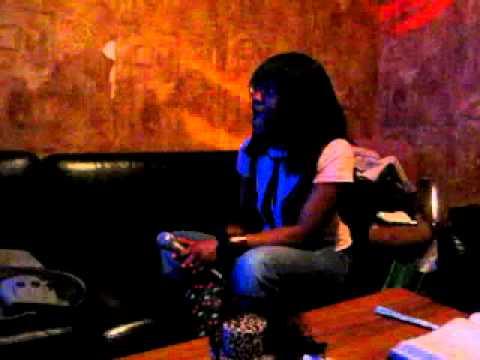 [Toronto Trip 2011] 26th 725pm Karaoke 1 Aisha High Notes.MOV