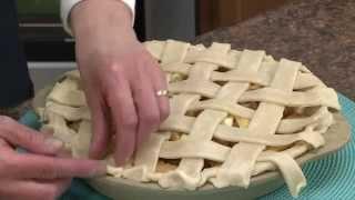 How To Make A Lattice Pie Crust | Radacutlery.com