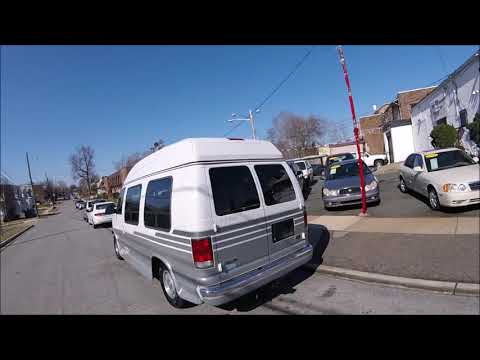 2000 White /Gray Ford E-Series Van E150 (1FDRE14W3YH) with an 4.6L V8 SOHC 16V engine, 4-Speed Automatic Overdrive transmission, located at 577 Chester Pike, Prospect Park, PA, 19076, (610) 237-1015, 39.886154, -75.302338 - Photo #0