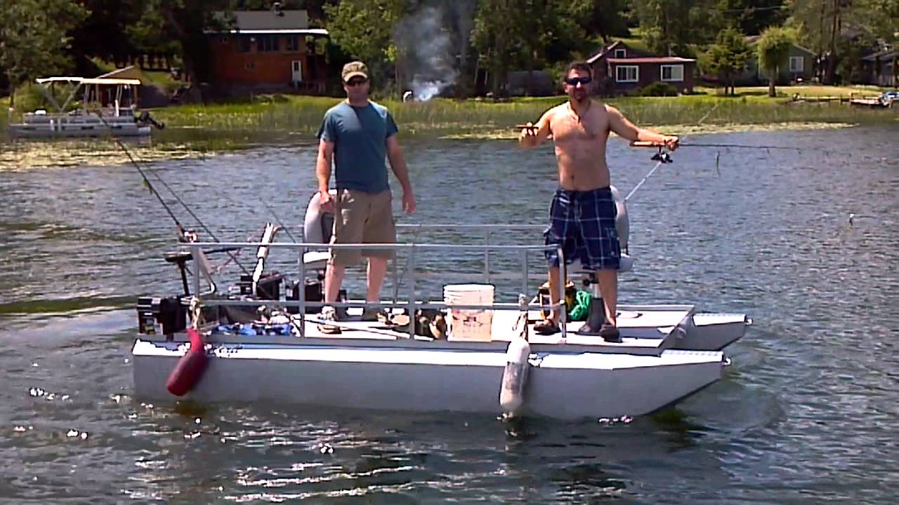 Mini Pontoon Boat shake - YouTube