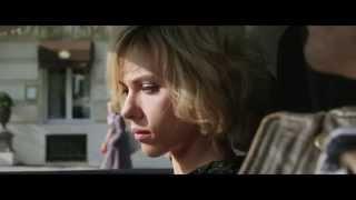 """Lucy Di Luc Besson Con Scarlett Johansson: Scena In Italiano """"Corsa Per Le Strade Di Parigi"""""""