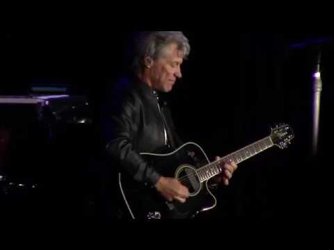 Bon Jovi - Wanted dead or alive, Chile 2017.