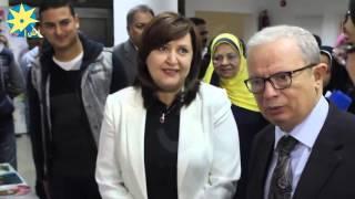 رئيس جامعة عين شمس يشاهد ابتكارات ومنتجات أطفال ذوي الاحتياجات الخاصة بمعهد الطفولة