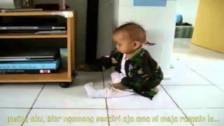 Download Video video lucu bayi marah marah sama hp MP3 3GP MP4