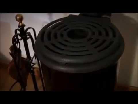 po le bois 6 kw fonte et acier maill avec support chauffe plats youtube. Black Bedroom Furniture Sets. Home Design Ideas