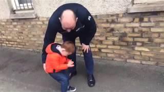 Малыш оцепенел, увидев вернувшегося с войны отца