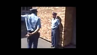 Repeat youtube video الشرطة الجزائرية و الرقص 'موغ دو غيغ '