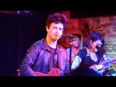 Billie Joe Armstrong & Norah Jones - Down in the Willow Garden (New York City 2015)