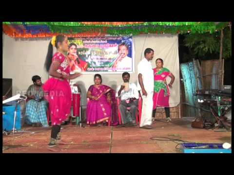Mayakulam Madhavan's Surabiyin Themmangu palsuvai nigalchi in Periamayakulam 01 10 2014 Kadala kolla