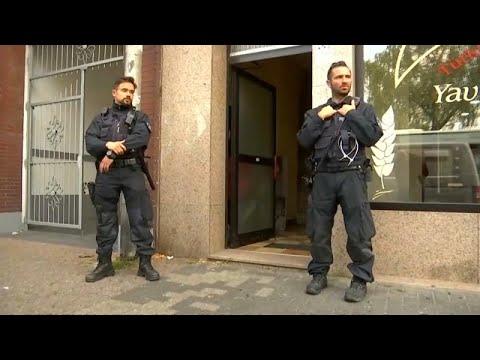 شاهد: الشرطة الألمانية تداهم منازل -إسلاميين متشددين- في كولونيا ودورين…