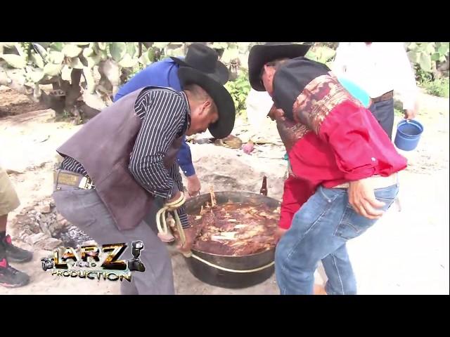 Sacando la BArbacoa con La Banda Unicornio Caminos de Michoacan En Vivo HD LARZvideo