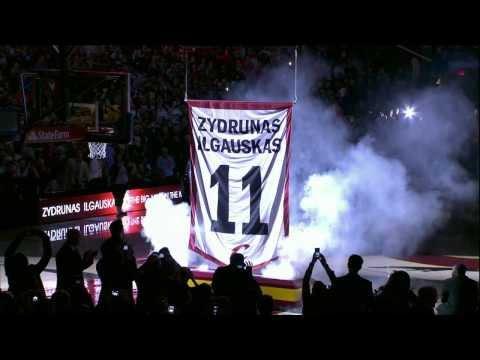 Zydrunas Ilgauskas' Jersey Retired by the Cavaliers