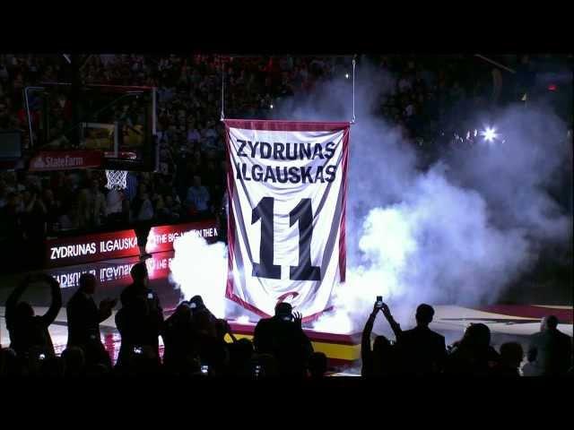 Zydrunas Ilgauskas\' Jersey Retired by the Cavaliers