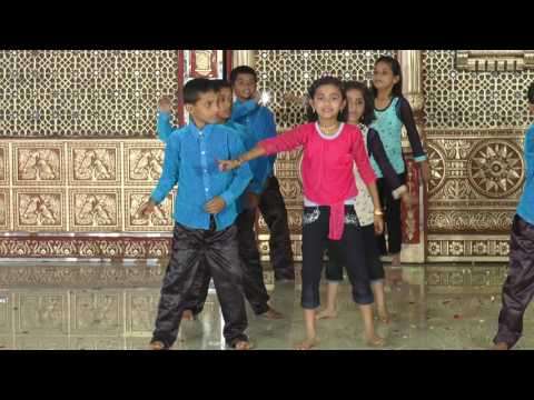 Abhi Toh Party Shuru Hui He - HD English Medium School Gathering Dance - 2016-17