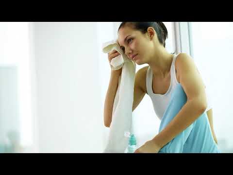Почему бросает в жар и пот женщин причины что делать в домашних условиях?
