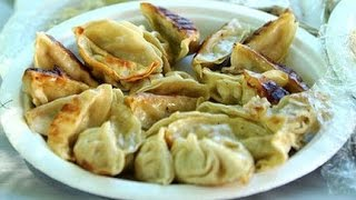 World Record 384 Potstickers Eaten in 10mins