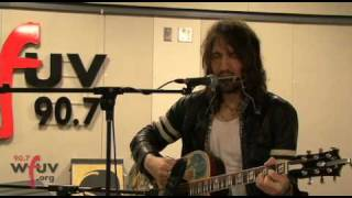 """Joseph Arthur - """"Famous Friends Along the Coast"""" (Live at WFUV)"""