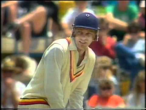 David Gower makes Graham Gooch ANGRY- YOU HAVE FAILED SIR, WITH A CAPITAL 'F'.